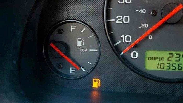 Tidak Banyak yang Tahu, Ternyata Inilah Arti Huruf E Pada Indikator Bahan Bakar di Kendaraan Anda