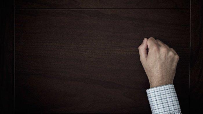 Mengetuk Pintu dengan Lembut hingga Ucapkan Salam, Ini Adab Muslim Saat Bertamu Diajarkan Rasulullah
