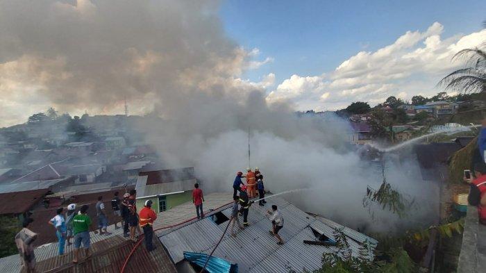 Kebakaran dekat Apartemen Pertamina Balikpapan Hanguskan 6 Rumah dan 14 KK Kehilangan Tempat Tinggal