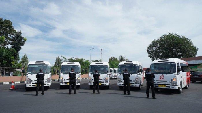 Pemerintah Semarang Resmikan Pengoperasian 17 Bus Feeder Isuzu di Tengah Pandemi Covid-19