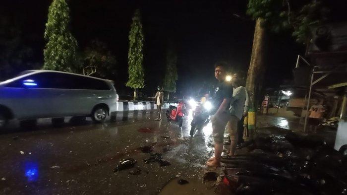 CELAKA - Kecelakaan tunggal di Jalan MT Haryono Bontang Utara, Kota Bontang, Provinsi Kalimantan Timur tewaskan pengendara sepeda motor Mio, Sabtu (20/12/2020).