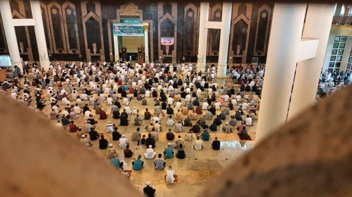 Suasana Sholat Idul Fitri di Masjid Baitul Izzah Islamic Center Kota Tarakan, TRIBUNKALTIM.CO, ANDI PAUSIAH