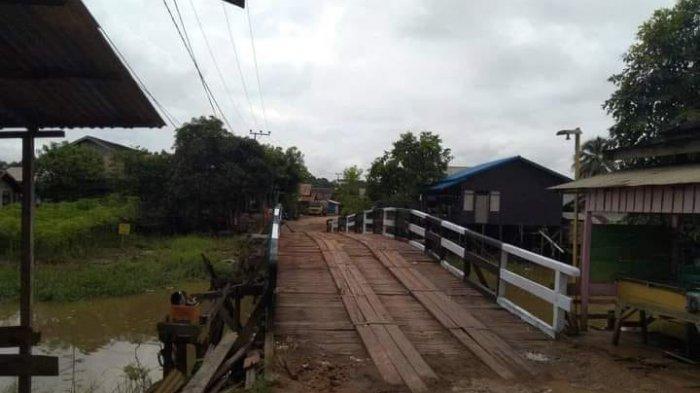 Sempat Ambruk, Pemkab Kukar Gunakan Biaya Tak Terduga Bangun Jembatan di Desa Sebulu Ilir