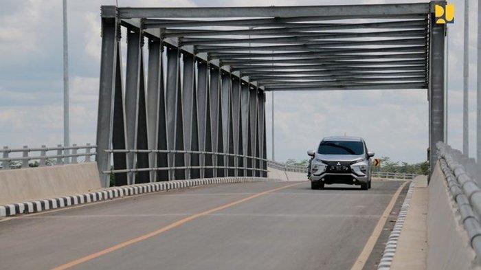 Wajib Diketahui! Inilah Alasan Tidak Boleh Menyalip Kendaraan Lain di Jembatan dan Terowongan