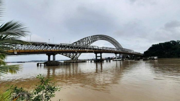 Polisi Sebut Pemilik Tongkang yang Tabrak Jembatan Mahakam Samarinda Bersedia Ganti Rugi