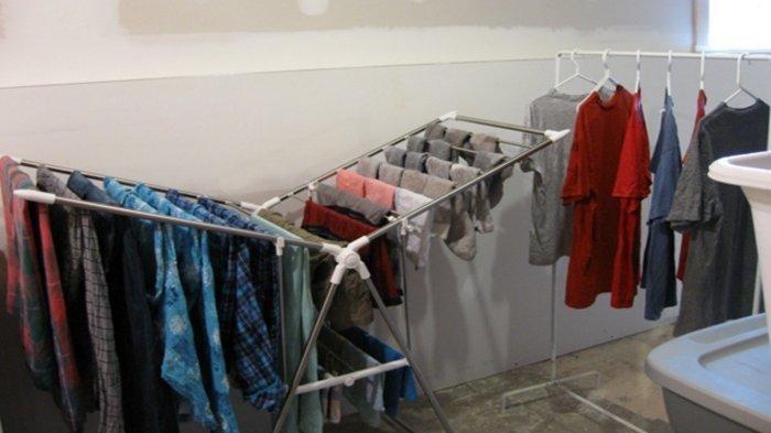 Benarkah Kebiasaan Jemur Pakaian dalam Rumah Bisa Bahaya Bagi Kesehatan? Ini Penjelasan Lengkapnya