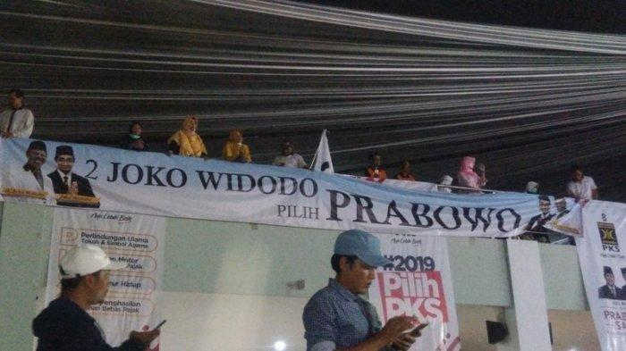 Ada Spanduk 'Joko Widodo Pilih Prabowo' saat Kampanye PKS, Ini Penjelasan Sang Caleg