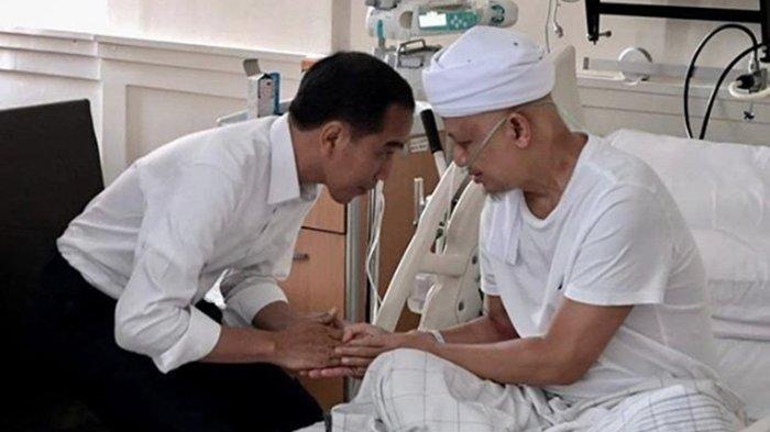 Jenguk Ustaz Arifin Ilham, Presiden Jokowi Bungkuk Badan dan Kirim Doa