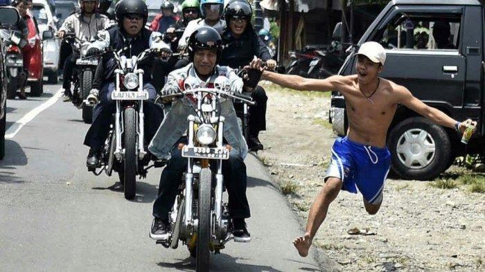 Kisah Unik, Aksi Pria Bertelanjang Dada Nekat Kejar Jokowi saat Touring, Bikin Paspampres Panik