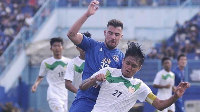 Tak Segarang di Persib, Jonathan Bauman Jadi Sorotan Laga Perdana Arema FC Bareng Mario Gomez