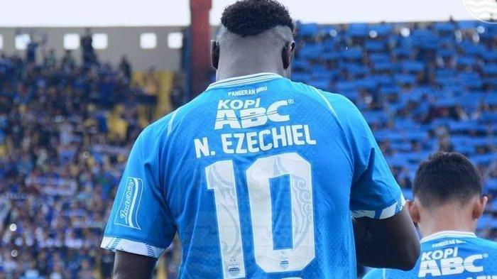 Pamit dari Persib, Ezechiel Ndouassel Dikabarkan Ditukar dengan Striker Bhayangkara FC