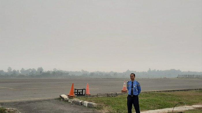 Jarak Pandang Landasan Pacu Bandara Syamsuddin Noor 50 Meter, Banyak Pesawat Gagal Mendarat