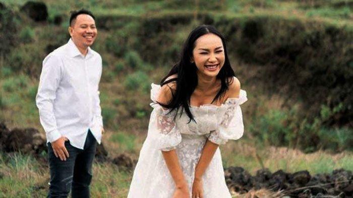 Terungkap Alasan Ayah Kalina Okatarani tak Mau jadi Wali Nikah Sang Putri dengan Vicky Prasetyo