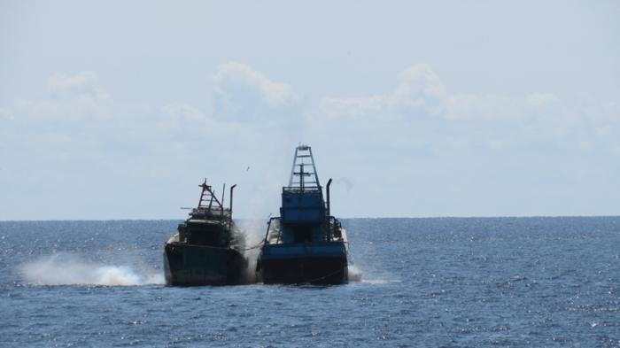Kapal Nelayan Vietnam Diledakkan Di Mempawah