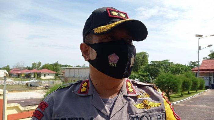 TNI-Polri dan Satpol PP Bagikan 2021 Masker dan 100 Karung Beras kepada Warga Nunukan