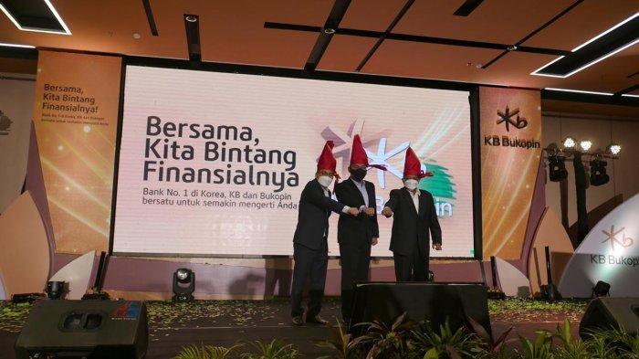 Jajaran direksi KB Bukopin menyatakan, rebranding yang dilakukan ini tidak hanya sekadar proses penggantian nama dan logo, tetapi sebuah penggabungan komitmen antara KB Kookmin Bank dan Bank Bukopin.
