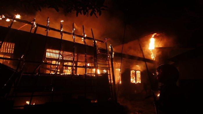 BREAKING NEWS: Kebakaran Hebat di Sungai Pinang Samarinda