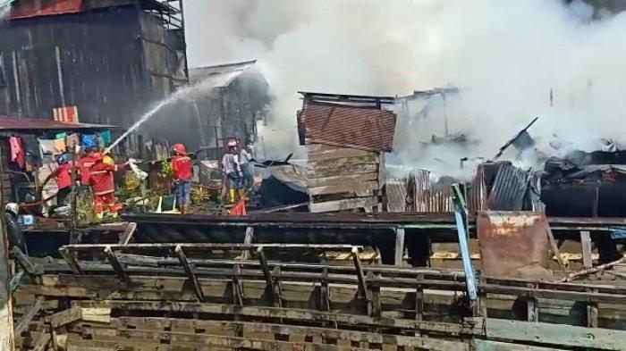 Dipastikan tak Ada Korban Jiwa dalam Kebakaran di Permukiman Tepi Sungai Mahakam Samarinda