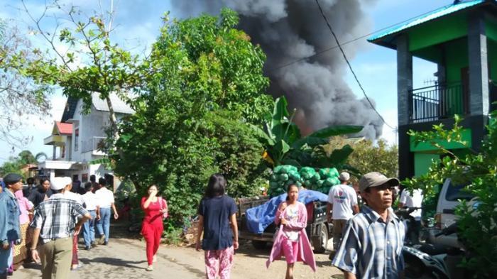 Warga Murung Pasar Martapura Panik Lihat Si Jago Merah Mengamuk