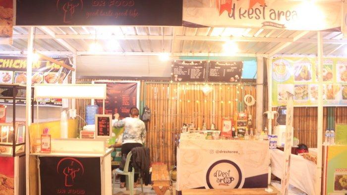 Kedai Dr Food di kawasan D'Rest Area Marimar, Mahakam Lampion Garden, Samarinda, Kalimantan Timur.