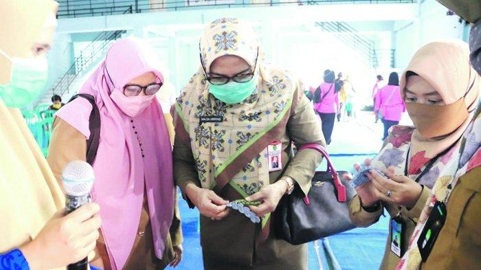 DKP3A Kaltim Latih Ibu-ibu Bikin Masker, Bentuk Kewirausahaan Alternatif Berbasis Rumahan