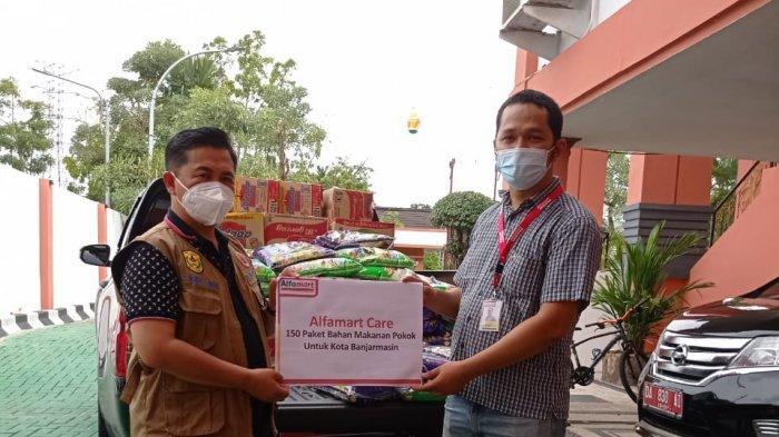 Banjir di Banjarmasin Kalsel, Alfamart Salurkan Bantuan 150 Paket, Diterima Walikota Ibnu Sina