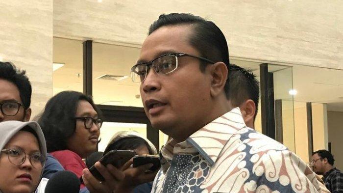 Dituduh Germo & Hidung Belang, VP Garuda Indonesia Ini Laporkan Akun Twitter @digeeembok ke Polisi