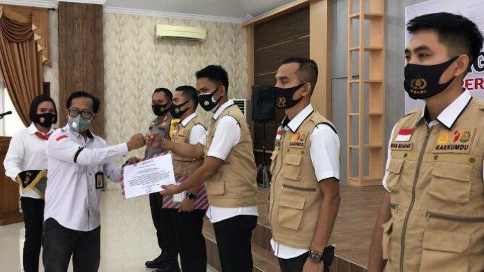 Sukses Bawaslu Kutim Beri Penghargaan ke Sentra Gakkumdu Polres Kutai Timur
