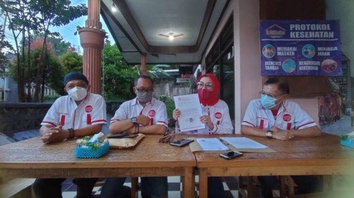 Ketua DPD PAPPRI Kaltim, Etty Paulina Subagio (tengah) menyampaikan penjelasannya terkait p