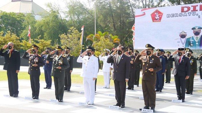 Hadiri Upacara Peringatan HUT ke-76 TNI, Makmur Sebut TNI Manunggal dengan Rakyat