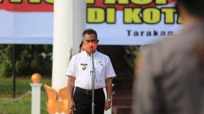 INSPEKTUR UPACARA - Walikota Tarakan Khairul memimpin Apel Siap Siaga Bencana: Pandemi dan Cuaca Ekstrem Akan Jadi Tantangan Tersendiri Dalam Penanganan Bencana di Kota Tarakan, Rabu (18/11/2020).