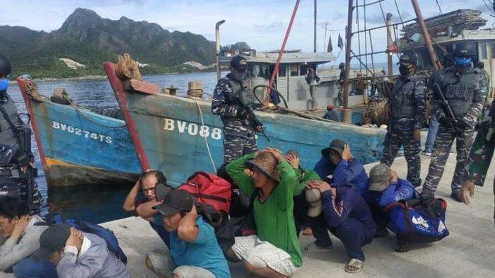 Sedang Asik Memancing, Tiba-tiba Dua Kapal Ikan Vietnam Diciduk KRI Yos Sudarso di Laut Natuna