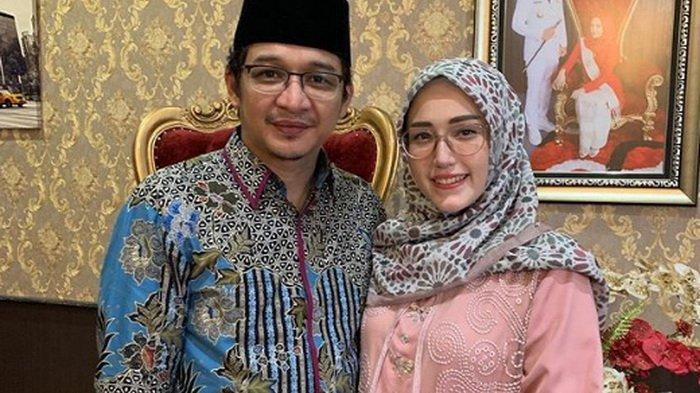 Kisah PDKT Pasha Ungu dan Adelia Dibeberkan Sang Istri, Datang ke Kost Malam-malam hingga Makan McD