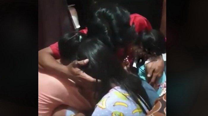 Ditinggal Istri Selingkuh Demi Pria Kaya, Kisah Pria Ini Viral, Kini Harus Rawat 3 Anak Perempuannya