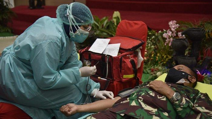 Kegiatan donor darah yang digelar di Aula Kodam VI Mulawarman.
