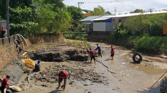 Sedimentasi Capai 2,5 Meter, Warga Jangan Buang Sampah Plastik di Sungai Kampung Bugis Tarakan
