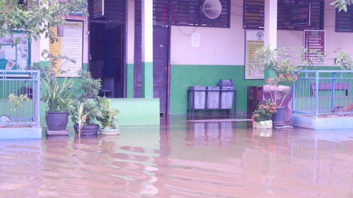 4 Sekolah  di Samarinda Terendam Air Sejak 3 Hari Terakhir, Disdikbud Belum Liburkan Sekolah