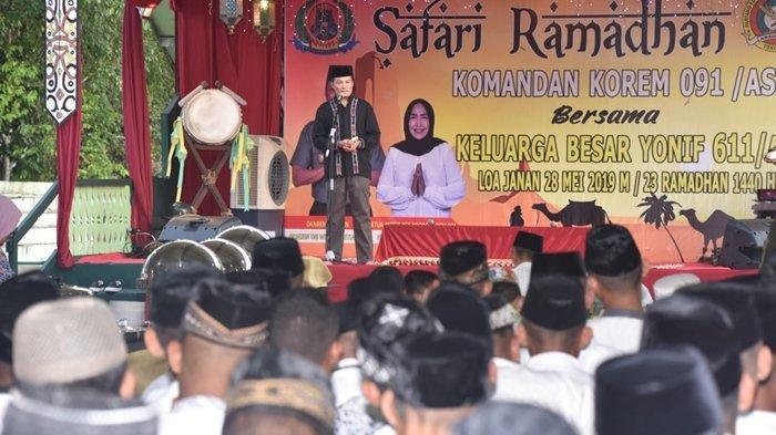 Buka Puasa dengan Santri Pondok Pesantren, Danrem 091/ASN Ingatkan Prajurit Untuk Tetap Netral