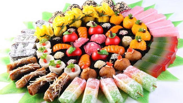 aneka jajanan pasar kue tradisional indonesia