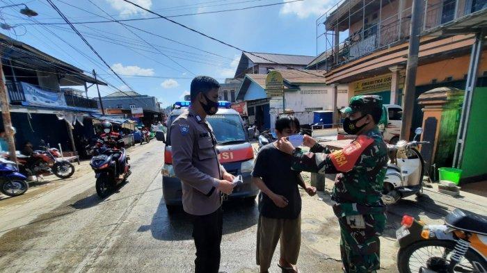 BERITA FOTO Kaltim Steril di Samarinda, Warung dan Lapak Pasar Masih Buka, Ada Warga Pergi Bekerja