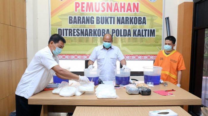 Ditresnarkoba Polda Kaltim Musnahkan Barang Bukti Sabu-sabu Seberat 13,7 Kg dari Dua Tersangka