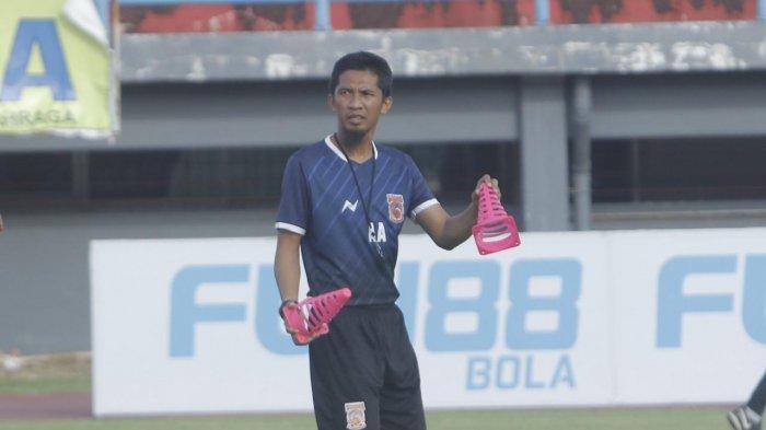 Jadi Asisten Pelatih Borneo FC Sejak 2016, Ahmad Amiruddin Kantongi Lisensi B AFC di Makassar