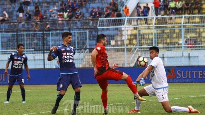 Kabar Baik Aremania, Akhirnya Kurnia Meiga Wariskan Nomor Punggung Miliknya ke Kiper Arema FC