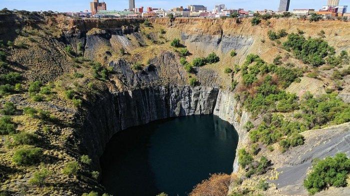 Wow di Dunia Ternyata ada 6 Lubang Dalam dan Besar Mengerikan Seperti Pintu Menuju Dunia Bawah Tanah