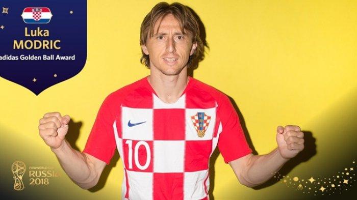 Luka Modric Terima Penghargaan Pemain Terbaik Piala Dunia 2018