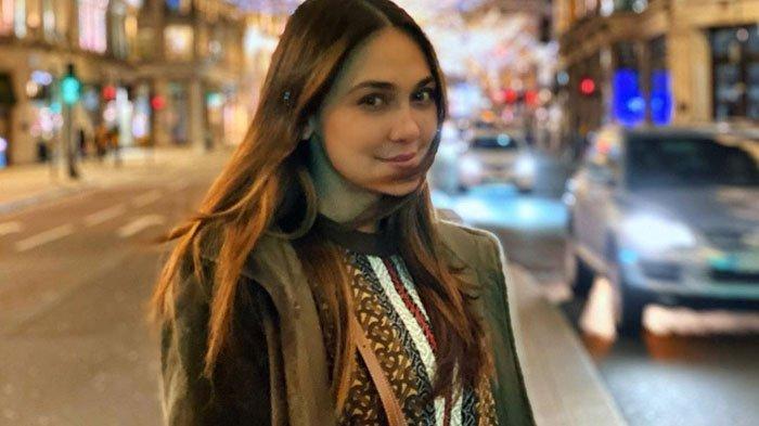 Luna Maya Berang, Curhat Pernah Dapat Pesan WhatsApp Ditawar Rp 600 Juta Buat Temani Pengusaha