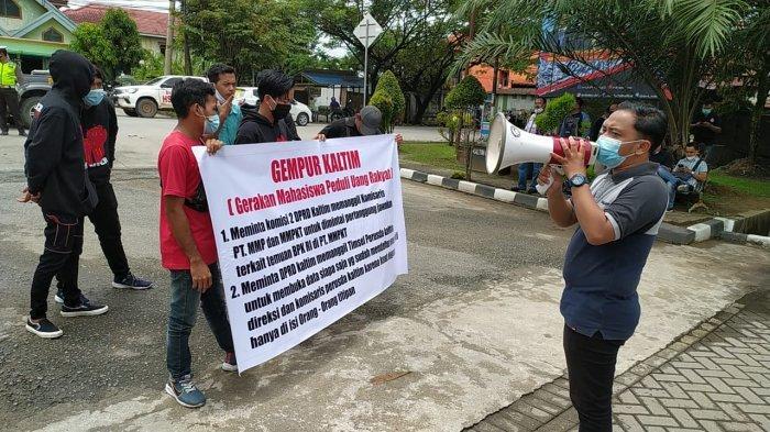 Demo DPRD Kaltim, Mahasiswa Pertanyakan Transparansi 61 Calon Pelamar Seleksi Direksi Perusda.