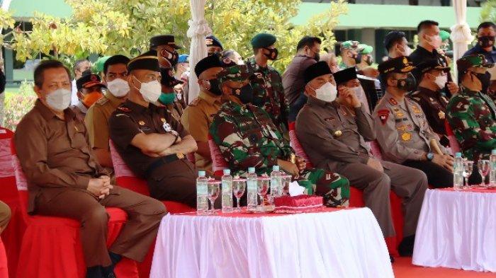 Ketua DPRD Kaltim Makmur HAPK menghadiri acara Rapat Koordinasi Daerah Penanggulangan Bencana Alam di wilayah Kaltim yang dilaksanakan di Aula Makodam VI Mulawarman Balikpapan, Senin (22/3/2021).