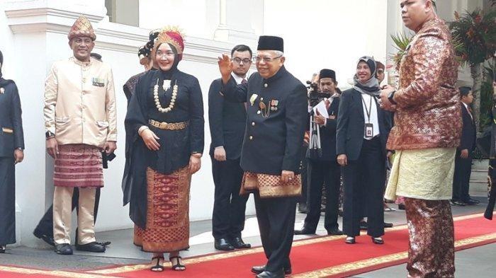 Upacara HUT ke-74 RI, Jokowi Pakai Busana Adat Bali, Tak Pakai Sarung Ma'ruf Amin Pilih Kain Aceh