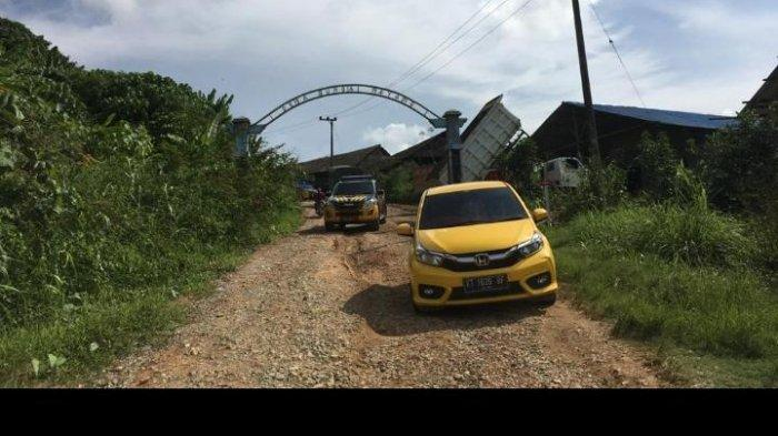 Kondisi jalandari Desa Loh Sumber ke Desa Sungai Payang Kecamatan Loa Kulu Kutai Kartanegara masih sangat memprihatinkan.TRIBUNKALTIM.CO, ARIS JONI (TRIBUNKALTIM.CO, ARIS JONI)